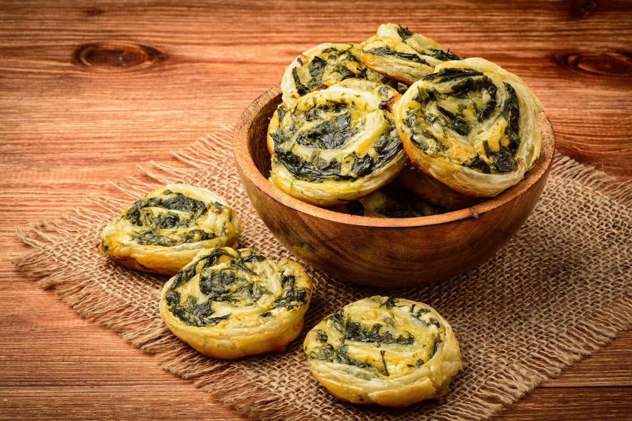 Ricetta Girelle di Pasta Sfoglia con Ricotta e Spinaci